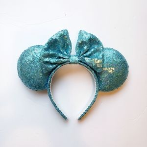 Disney Minnie Ears Holographic Turquoise Sequins